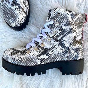 NWT Catherine Malandrino Chunky Combat Boots